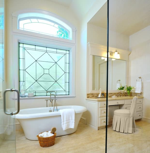 stained-bathroom-glass-windows