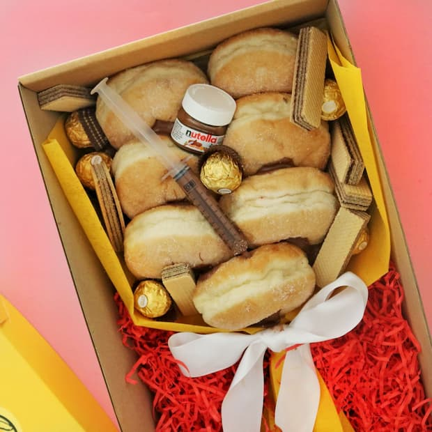 Nutella-Rose-Doughnut-Bouquet